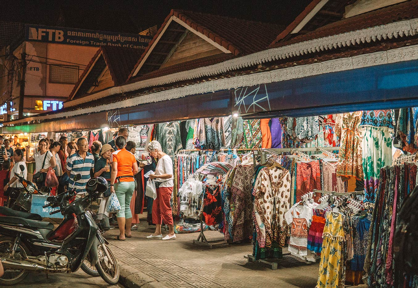 Things to do in Siem Reap blog post old market