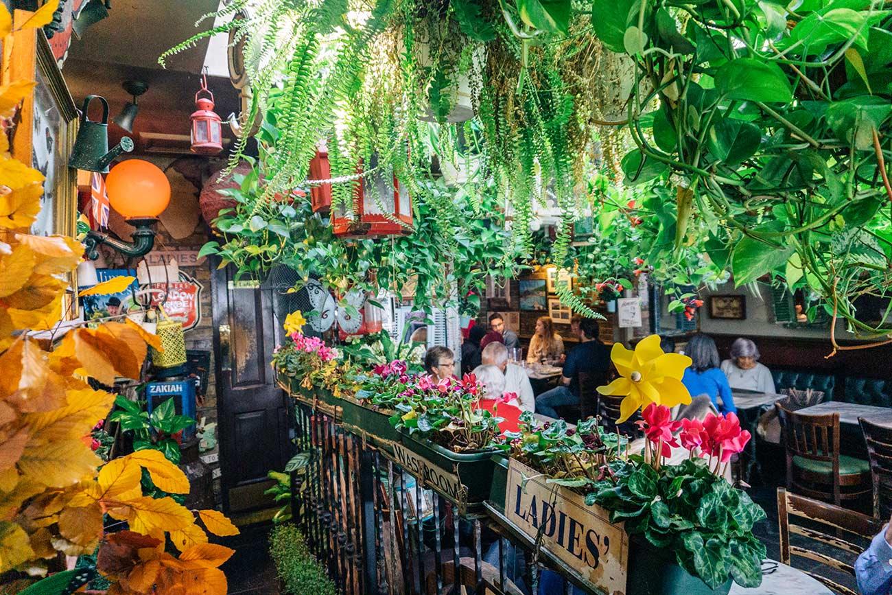 Thai restaurant in Churchill Arms Pub London