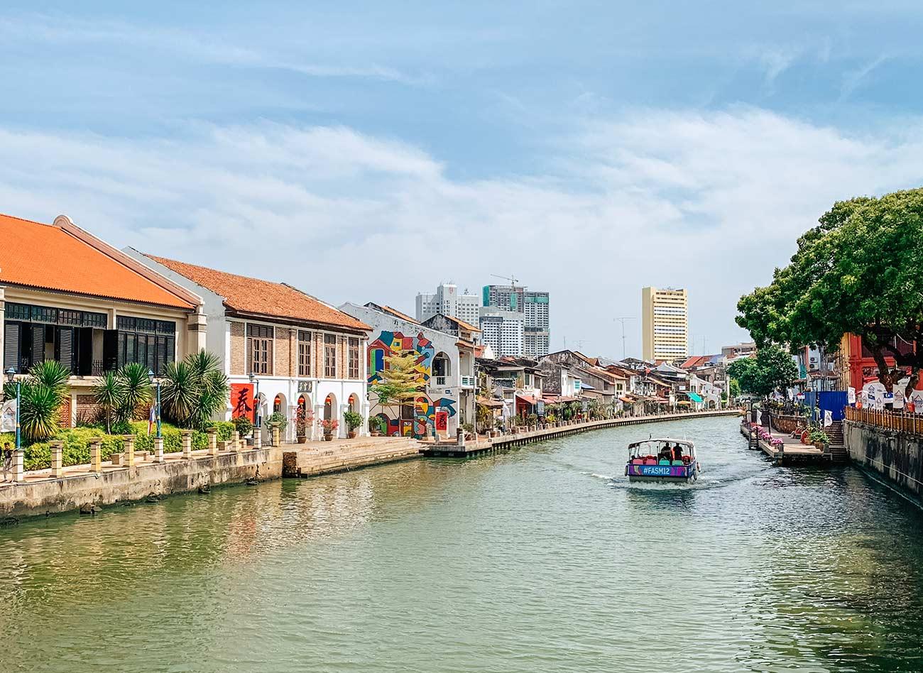 Melaka river and boat cruise